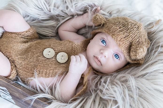 צילום תינוקות בגד חום