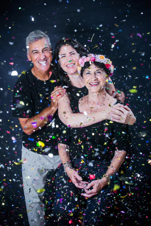 צילומי משפחה מורחבת בסטודיו